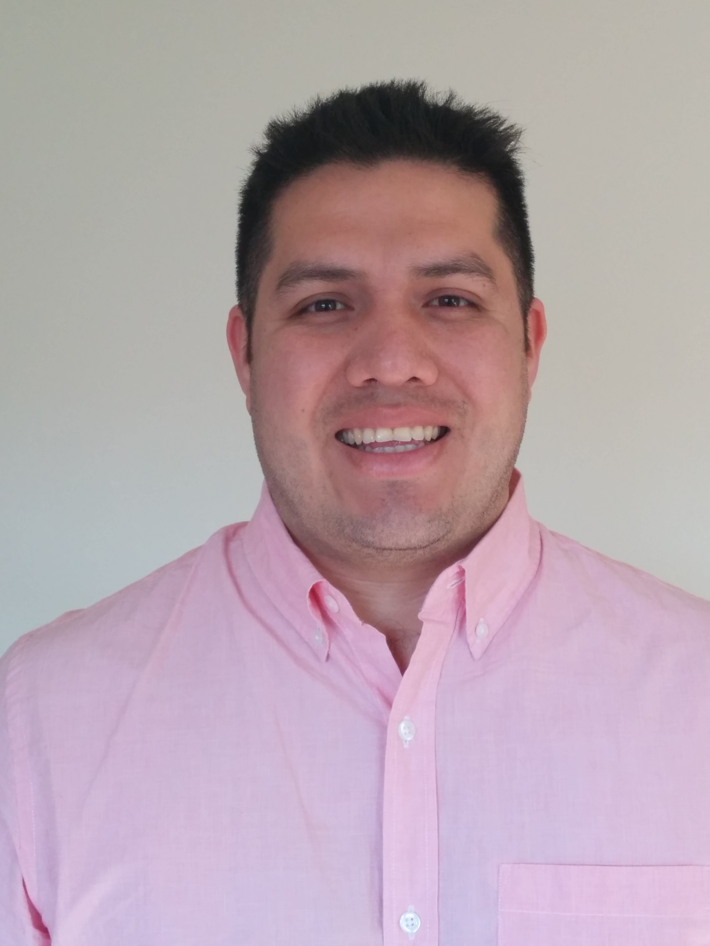 Workplace Communication Skills for Entrepreneurs and Sales & Marketing Alumni Efrain Rodriguez
